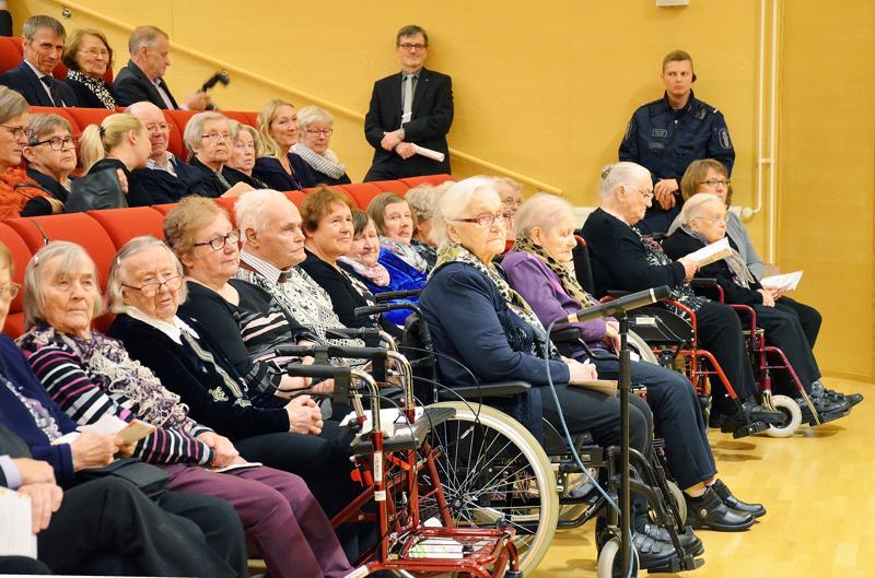 Vääräjokisaliin Sieviin tuli vanhusten viikon juhlijoita kaikista neljästä Kallion kunnasta.