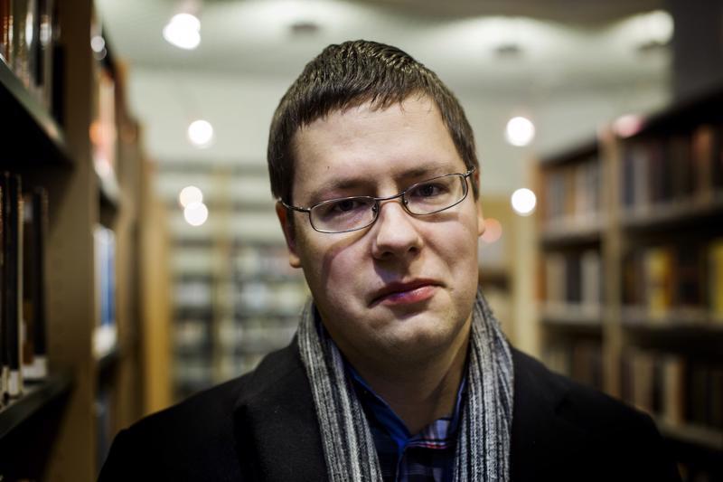 Juha Järvelä kirjoitti kolmannen tietokirjan Mika Waltarista.