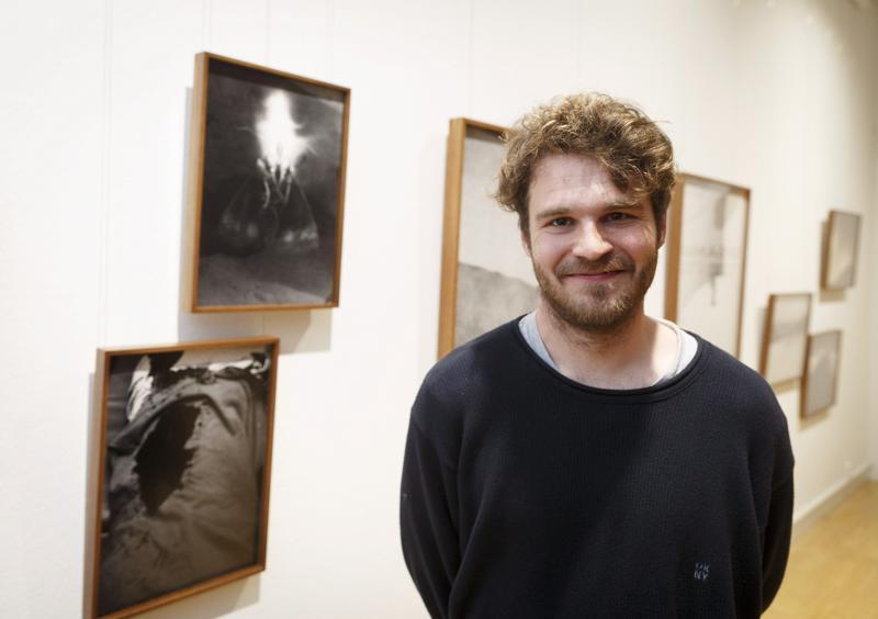 Vuoden 2020 nuori taiteilija Aapo Huhta on syntyjään Haapajärveltä.