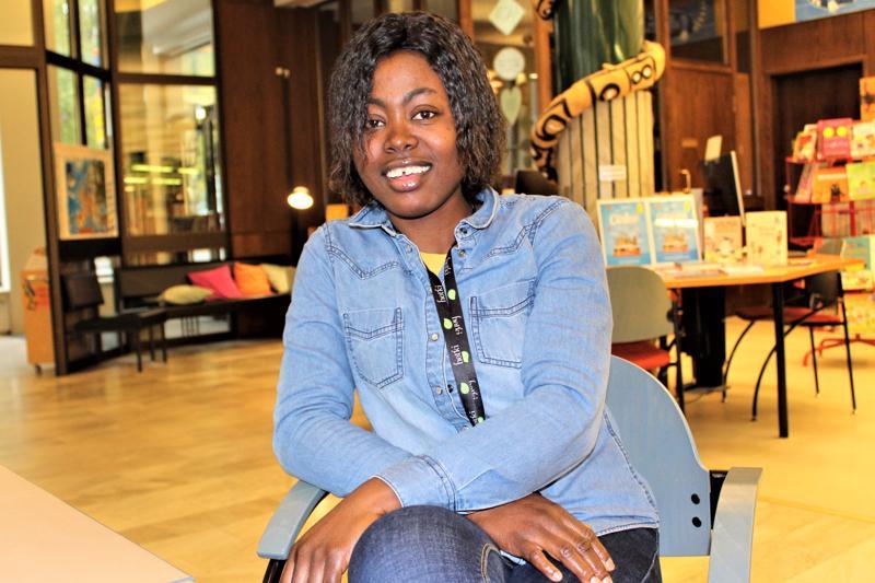 Nigeriasta Pietarsaareen opiskelemaan muuttanut Ruth Eghosa työskentelee nykyään Fresh-yrityksessä.