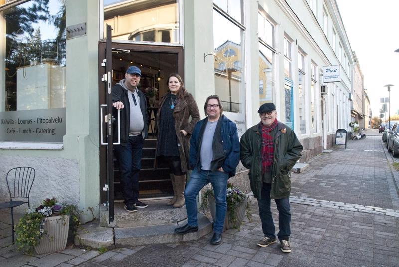 Timo Roiko-Jokela (vas.), Isa Lindgren-Backman, Mika Mylläri ja Alf Mylläri kutsuvat nauttimaan jazzista.