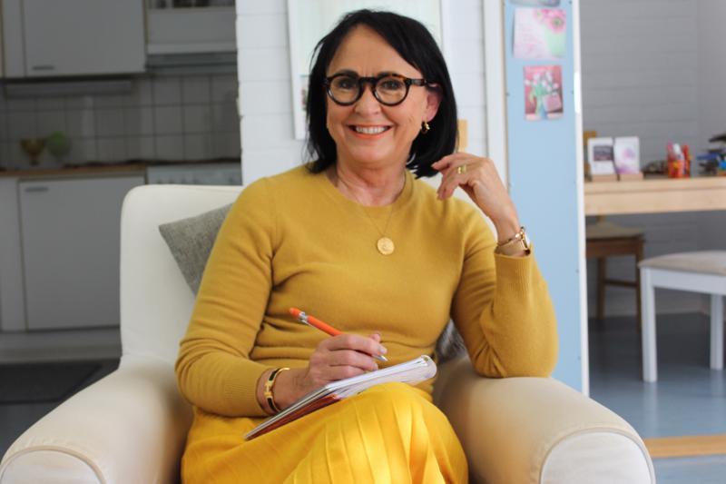 Ratkaisukeskeisenä psykoterapeuttina Kokkolassa toimiva yrittäjä Paula Pouttu on työskennellyt työhyvinvoinnin edistäjänä jo yli 20 vuotta.