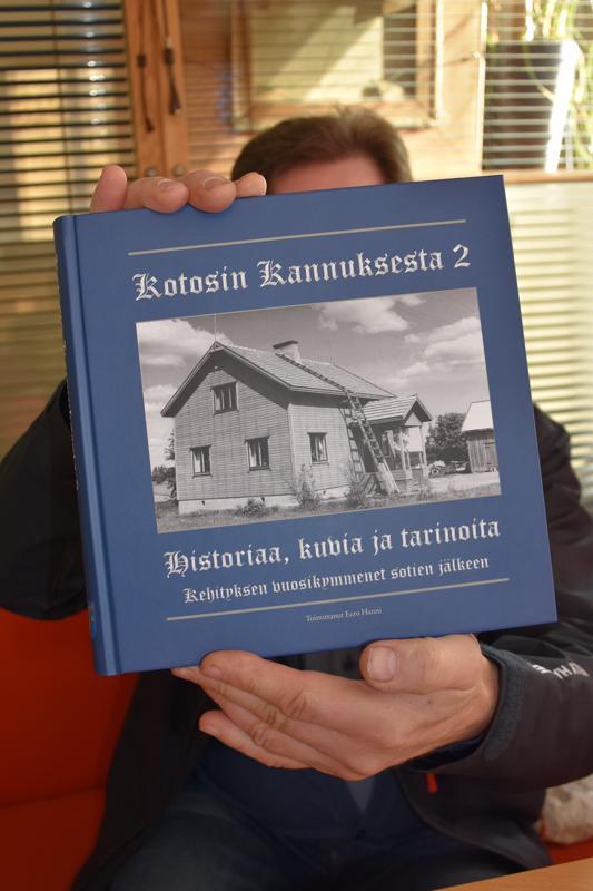 Valmis. Kannus-Seura ry:n Kotosin Kannuksesta -kirja sai jatkoa. Ensi viikon tiistaina julkistetaan Kotosin Kannuksesta 2 -aikakirja, jonka tarinat sijoittuvat Kannuksen kasvun ja kehityksen vuosiin sotien jälkeen.