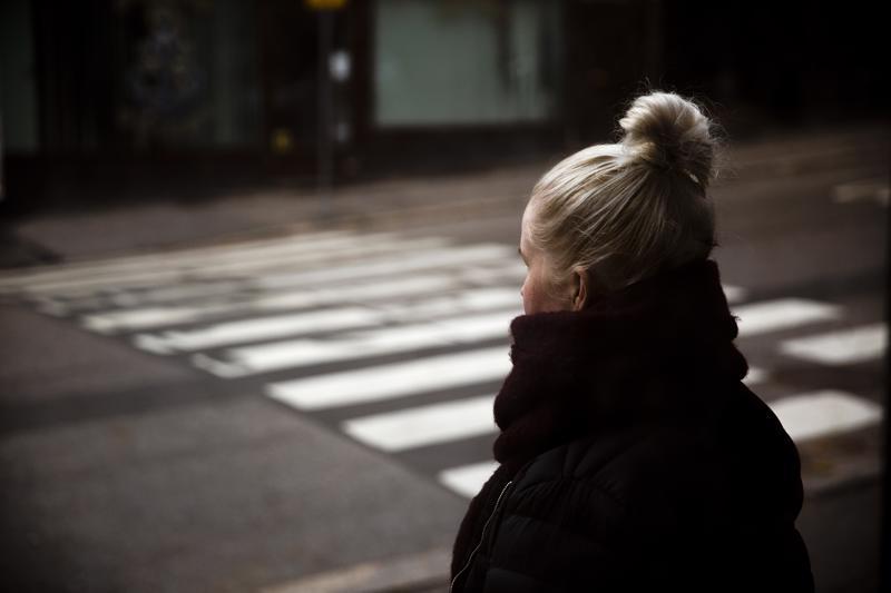 Kaksi vuotta asunnottomana ympäri pääkaupunkiseutua viettänyt Jade, 31, sanoo, että useimmat kodittomat naiset eivät halua tai uskalla mennä kodittomien asuntoloihin tai hätämajoituksiin.