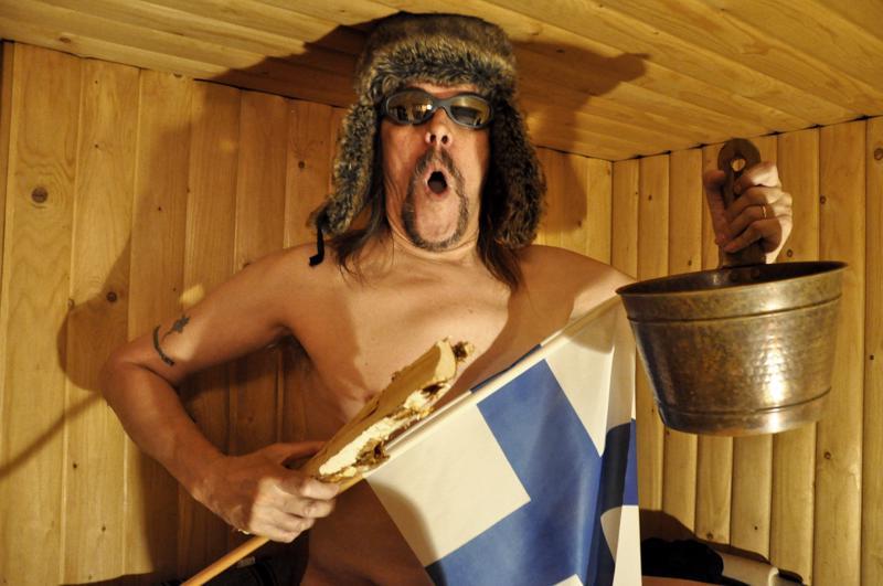 Pukki! Pukki! Mitä? Taasko se poika saunoo?