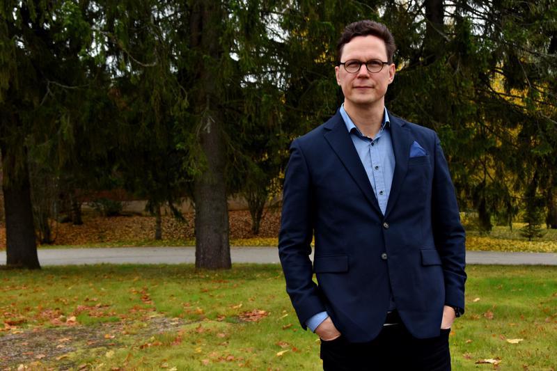 Suomessa on ollut tasa-arvovaltuutettu vuodesta 1987. Jukka Maariankangas on toinen mies tehtävässä. Hän on juuri viisivuotisen kautensa puolivälissä.