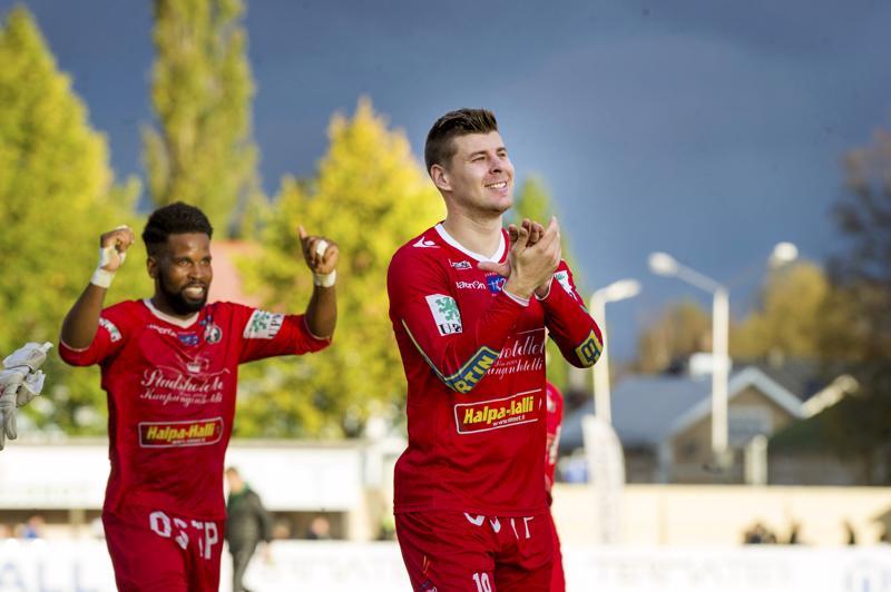 Jonas Emet päätti pitkän uransa Jaron paidassa.