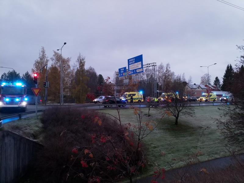 Kokkolassa Prismantiellä on sattunut liikenneonnettomuus.