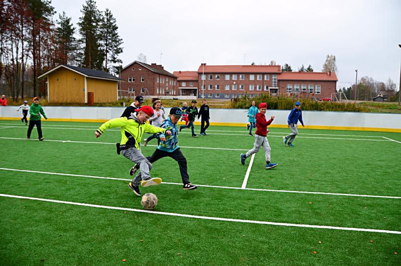 Sivistysjohtaja päätyi esittämään Mieluskylän koulun säilyttämistä sen kunnon ja kustannusvaikutusten perusteella.