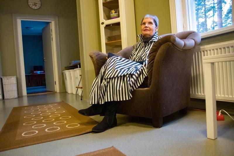 Marja-Leena Ylitalo työskenteli Isojärven nuorisotalolla kolmisen kymmentä vuotta. Nuoriin hän pitää edelleen yhteyksiä, ja hyviä muistoja on valtavasti.