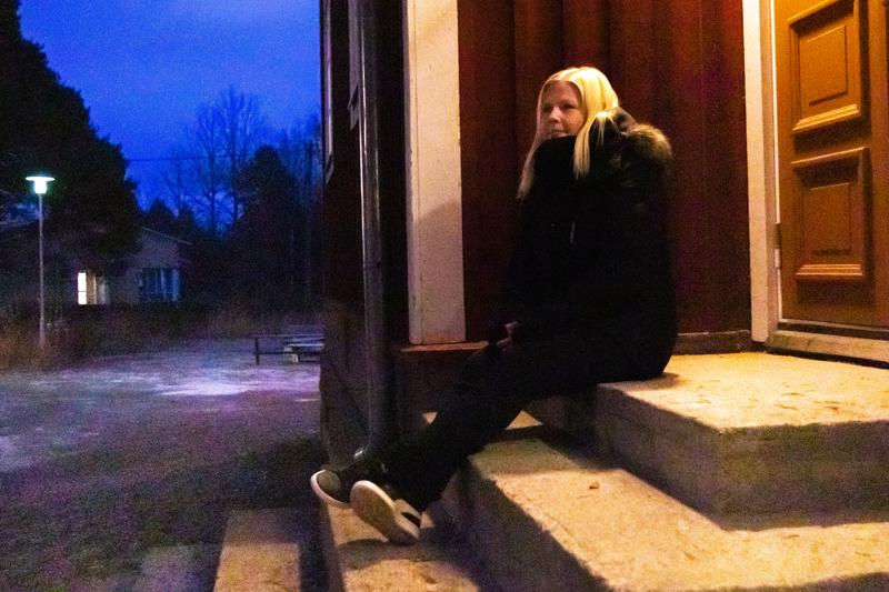 Mari Kaikkonen oli nuopparin vakiokävijöitä 2000-luvun alkupuolella. Portailla tuli paljon istuttua illan hämärtyessä.