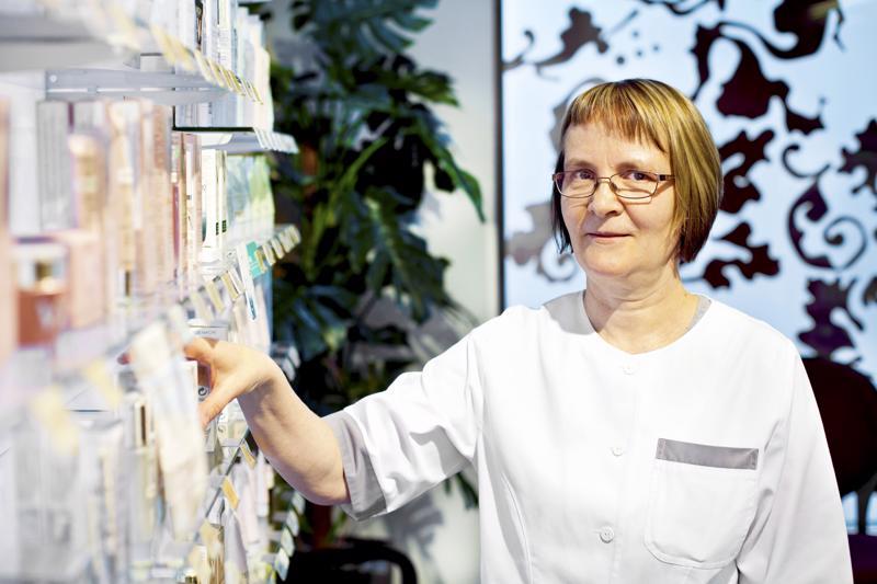 Eniten tienanneiden joukosta löytyy perinteisesti apteekkareita. Myös Kalajoen apteekin apteekkari Tarja Kurikkalan nimi löytyy eniten ansainneiden joukosta.