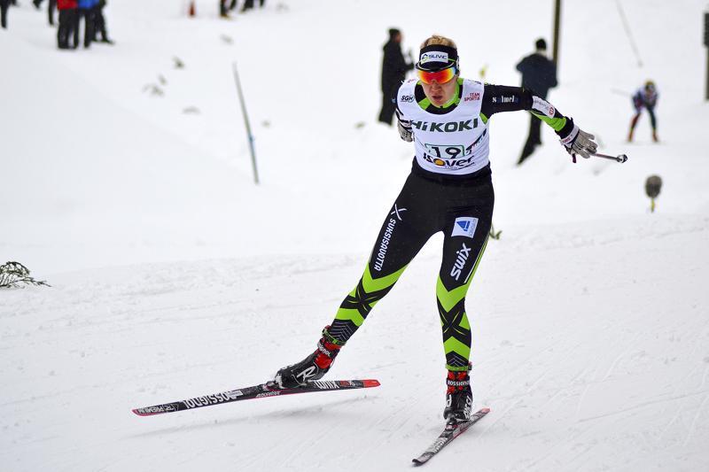 Roosa Juuska jäi niukasti 30 parhaan joukosta sprintissä, muuta hiihti viestissä seurahistoriaa.