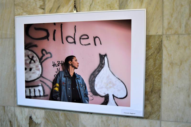 Christofer Hägglundin näyttelyyn tuoma persoonallinen muotokuva.