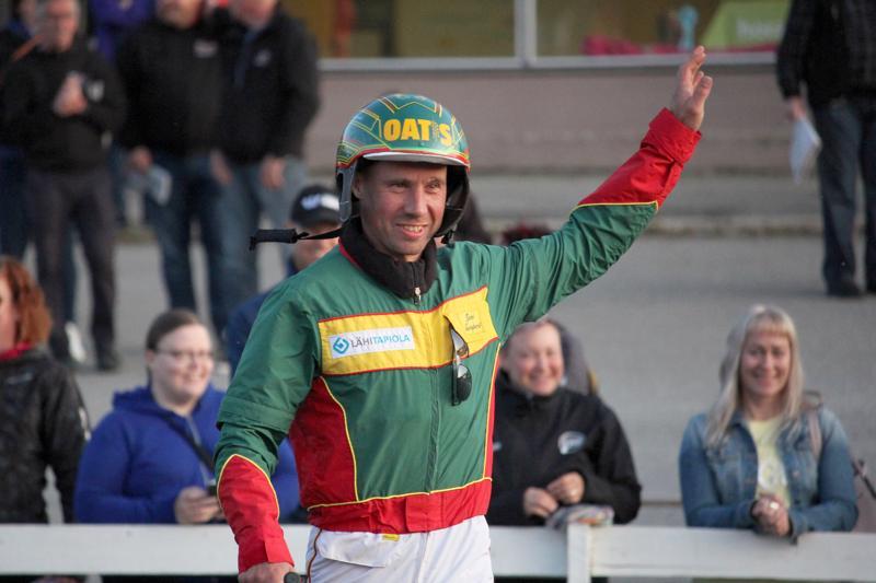 Jani Suonperällä on taito tehdä voittajia. Hänen valmennettavansa ovat juosseet tänä vuonna 13 voittaa ja tienanneet palkintorahoja 83 730 euroa.