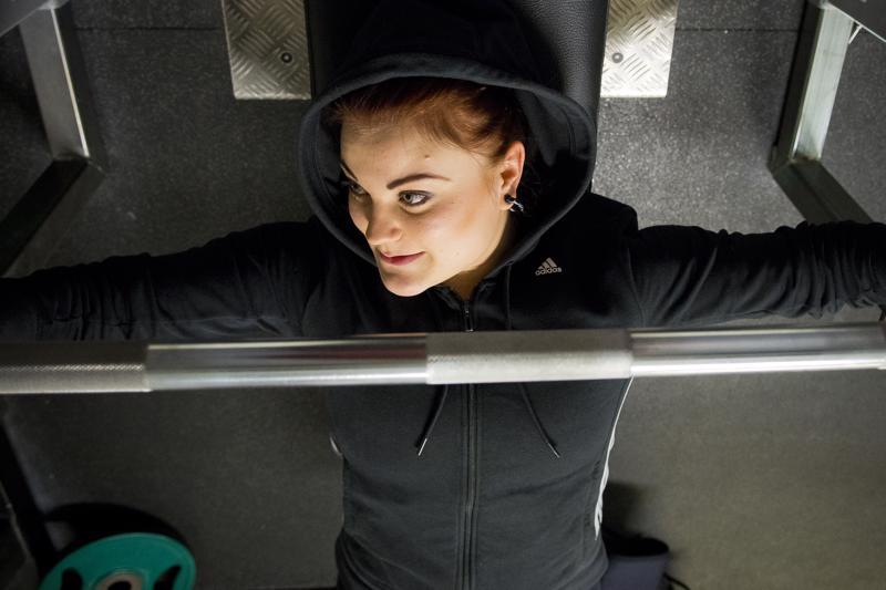 Viime vuoden nivalalainen oli voimanostaja Julianna Löllö.