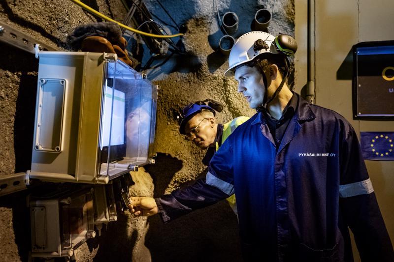 Kotisirkan teollista tuotantoa kehittävän Entocuben perustaja Robert Nemlander vei tutkimuslaboratorion Pyhäjärven kaivokseen.