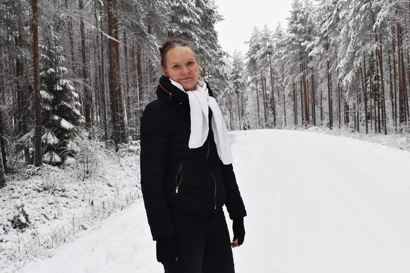 - Miljoonakaupungeissakin on kiva käydä, mutta kylällä on hyvä asua, Laura Seppä linjaa omaksi valinnakseen hyvästä elinympäristöstä.