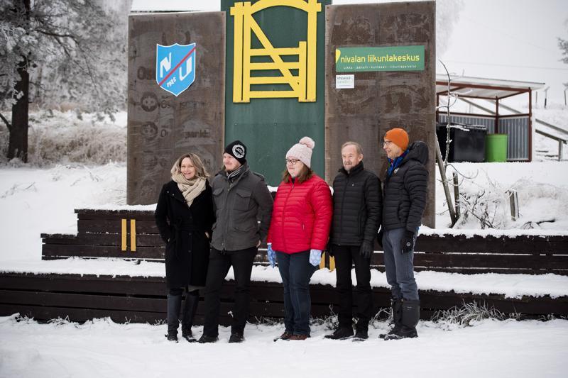 Päivi Karikumpu, Henri Heiska, Sari Gummerus, Ilpo Åivo ja Juhani Kumpusalo toivovat, että mahdollisimman monesta kunnasta saadaan fanijoukkoja maakuntaviestin uutuuteen, kannustuskilpailuun.