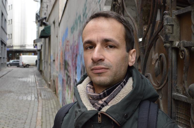 Oskars Herlinš on opiskellut säveltämistä Latvian lisäksi Ruotsissa ja Hollannissa.