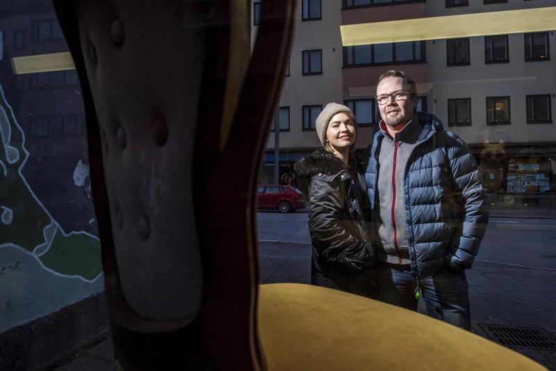 Tarhapäivän pari Marja Salo ja Petteri Summanen näyttelivät yhdessä jo Yösyötössä. Kokkolassa he piipahtivat torstaina.