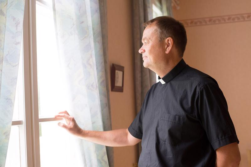Lääninrovasti Kari Tiirola päätti keskeyttää seurakuntayhtymän selvityshankkeen.