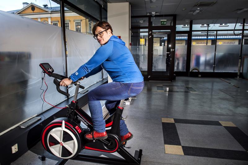 Teerijärveläinen Christel Viitanen avaa uuden Ole.fit-kuntosalin Aktia-pankilta tyhjentyneisiin tiloihin, jotka ovat vielä remontissa. Avajaisia vietetään tammikuussa.