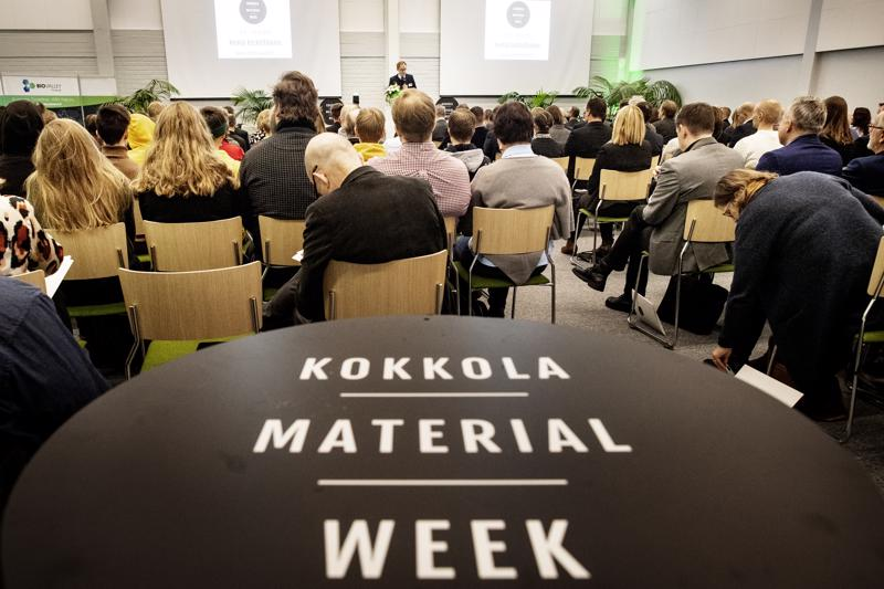 Material Week -tapahtuma koko Centrian luentosalin täyteen osallistujia.