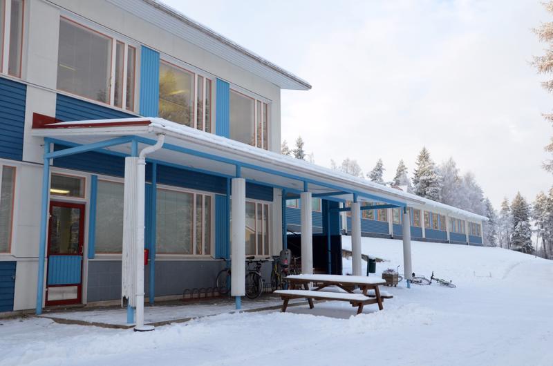 Toholammin kirkonkylän uusi koulu rakennetaan Kuusiston koulun yhteyteen yksikerroksisen osan pohjoispuoleiseen päätyyn.