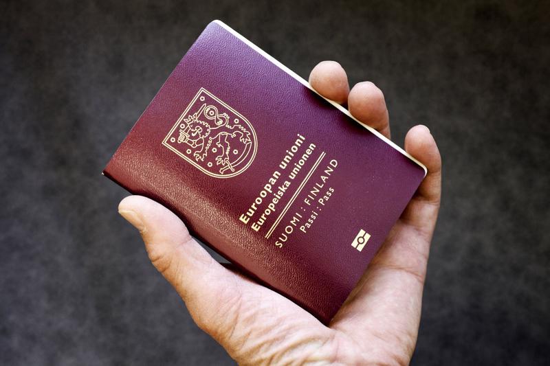 Lakolla ei ole vaikutuksia passi- ja henkilökorttilähetysten toimittamiseen.