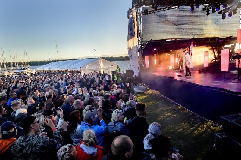 Mustakari Memories keräsi ennätysyleisönsä vuonna 2018. Kuva on Jenni Vartiaisen keikalta.