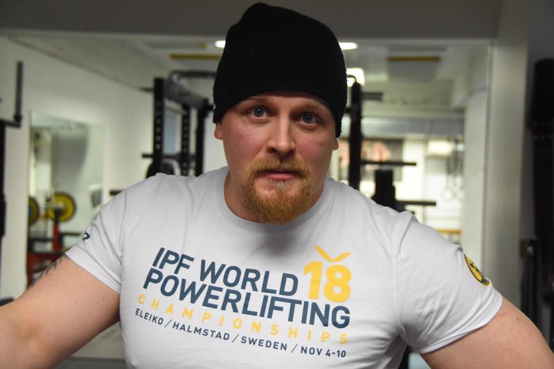 Tomi Määttä osallistuu ensi viikolla voimanoston MM-kilpailuihin.