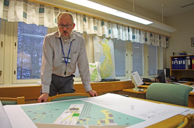 Tekninen johtaja Jouni Hautala esitteli Junttilan koulun suunnitelmia viime joulukuussa.