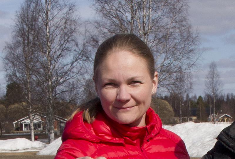 Vuoden nuorisovalmentajana Pesäpalloliitto palkitsi Ylivieskan Kuulan Johanna Seppälän.