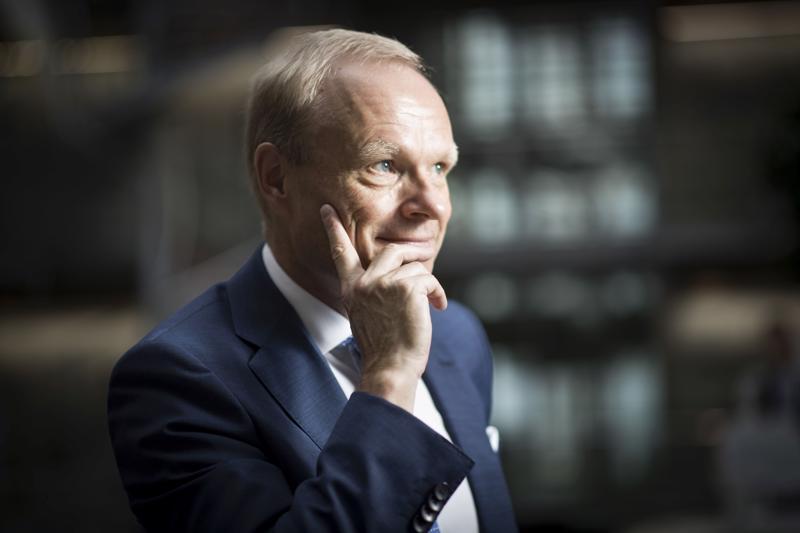EK:n hallituksen puheenjohtaja Pekka Lundmark sanoi, että maan hallituksen tavoite nostaa työllisyysaste 75 prosenttiin vaalikauden loppuun mennessä on vaikea saavuttaa ja liittokierroksen tulee tukea työllisyyttä.