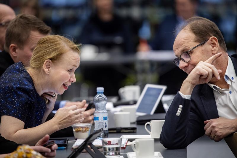 Soiten valtuustossa puhetta johtaa kokkolalainen Sari Innanen (kesk.), hallituksen puheenjohtajana toimii puolestaan Veikko Laitila (kesk.).