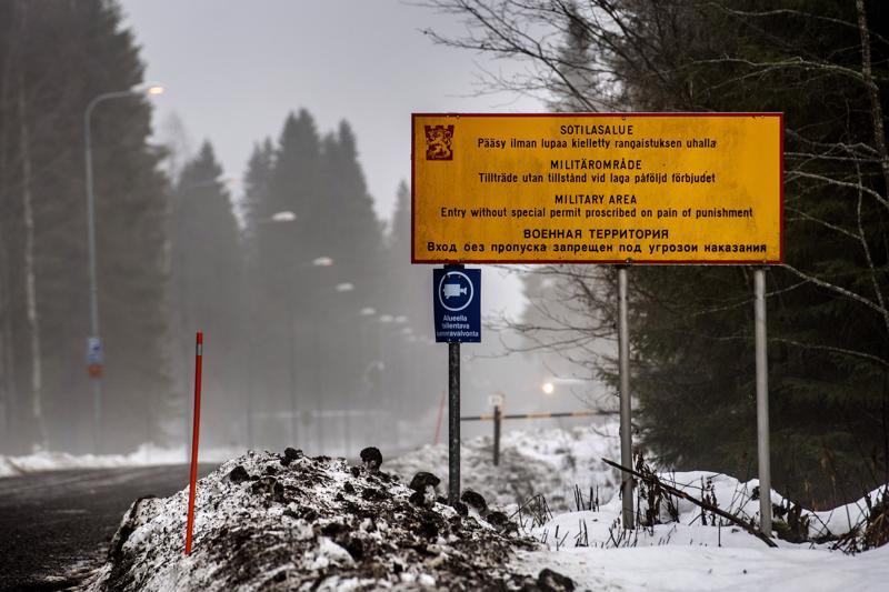 Puolustusvoimien Haapajärven varastoalueella on menossa iso rakennustyö, jolla uudistetaan maapeitteisiä räjähdesuojia.