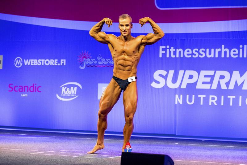 Joona Meriläinen sanoo olevansa kehonrakentajana puoliammattilainen. Kuva on lokakuulta Lahdessa järjestetystä Nordic Fitness Expo -tapahtumasta, jonka jälkeen Meriläinen valittiin Suomen edustajaksi Budapestin MM-kisoihin.
