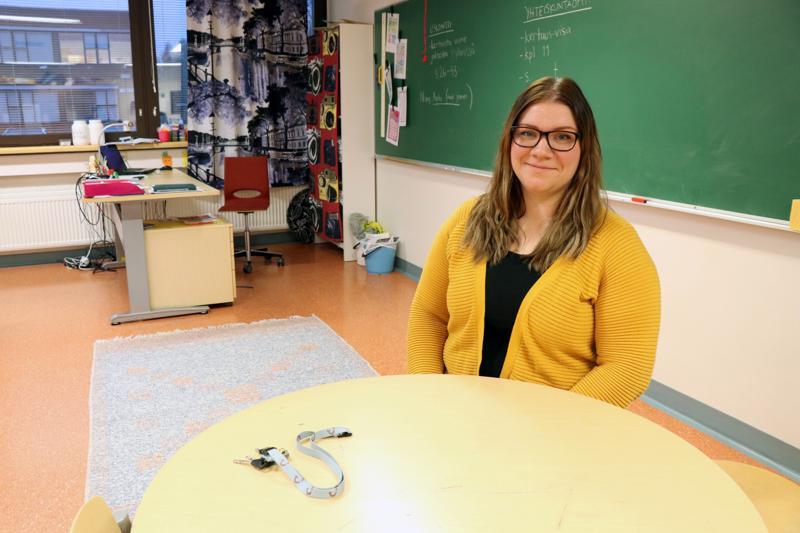 Heini Kaustinen työskentelee luokanopettajana Vetelin keskuskoululla.