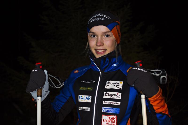 Iida Vuollet hiihtää kilpaa, viime vuoteen saakka hän kilpaili myös yleisurheilussa ja telinevoimistelussa.