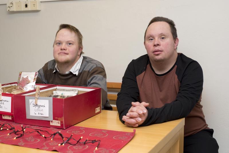 Saunatuotteista vastaavat Miika Vuorio ja Miikka Tallgren myivät sytyt loppuun alta aikayksikön.