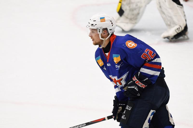 Tappion karvaskalkki oli unohdettu viime viikonlopulta, kun JHT otti voiton Kiekko-Espoosta Pirkonsuolla. Juho Takkula pääsi syöttöpisteen makuun tyhjiin syntyneessä 5-1 osumassa.