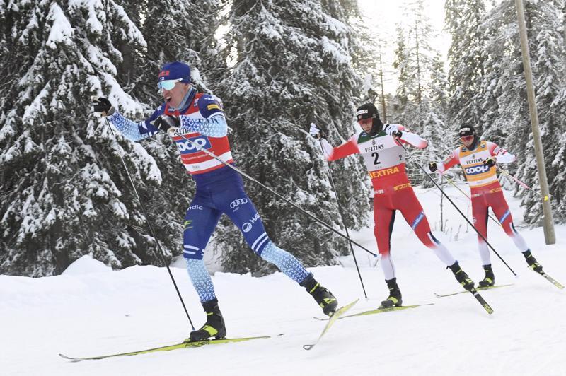 Iivo Niskanen veti letkaa, mutta lopussa Emil Iversen ja Johannes Hösflot Kläbo jättivät suomalaisen kolmanneksi.