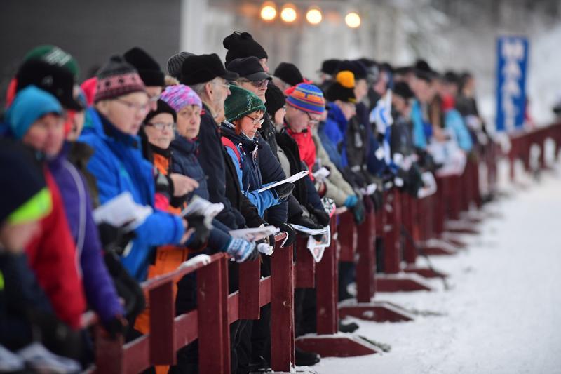 Maakuntaviesti kokosi viime vuonna Haapajärven Someron hiihtokeskukseen noin 1500 katsojaa.  Tulevaan Nivalan viestiin kannattajille oheisohjelmaksi järjestetään kannustuskisa.