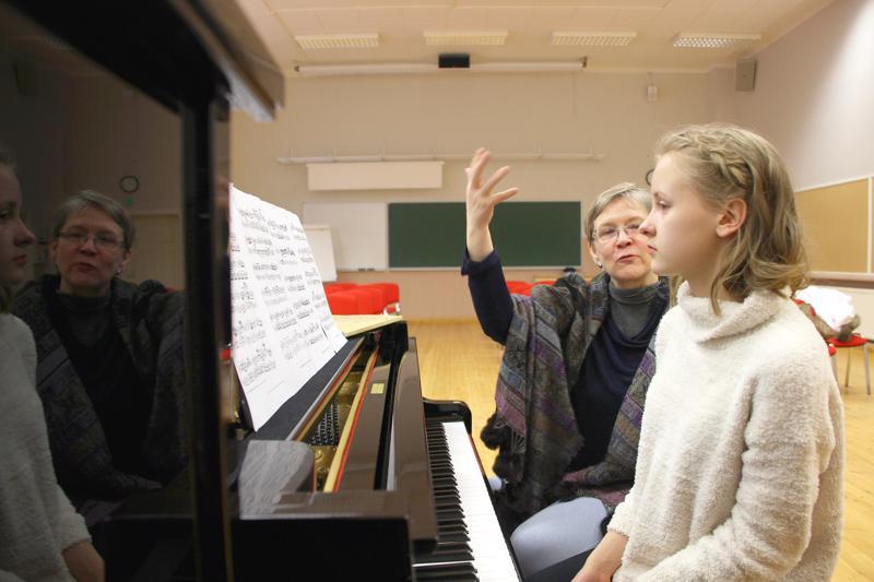 Katarina Nummi-Kuisma ja Liisa Smolander Raudaskylän mestarikurssilla loppiaisena 2016.