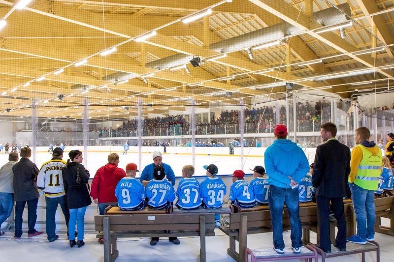Haapaveden jäähallia suunnitellaan pidettäväksi ensi vuonna auki kolme viikkoa vähemmän kuin tänä vuonna.