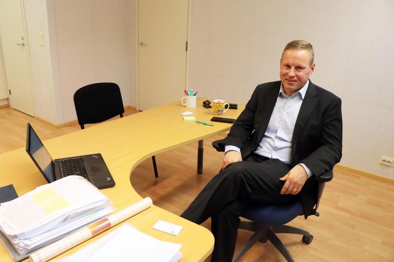 Lakimies Janne Forss hankki yritykselleen liiketilan Kaustiselta.