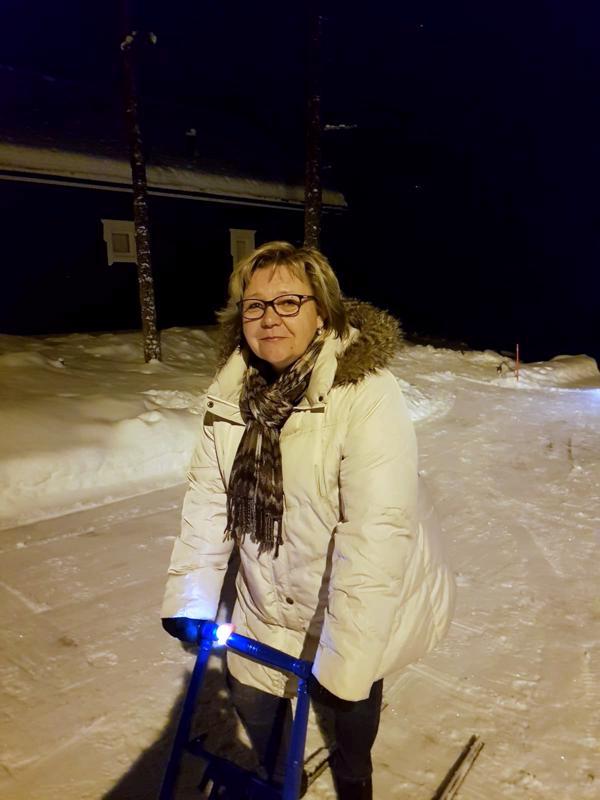 Tieto Tasavallan Presidentin myöntämän kunniamerkin saamisesta tavoitti Riitta Pehkosen pohjoisen tunturista.
