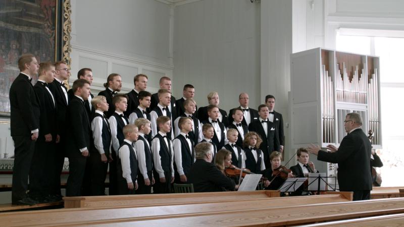Laulu Suomen soi Vetelin kirkossa.