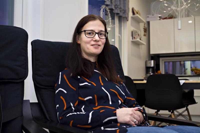 Regina Németh arvostaa Suomessa muun muassa ihmisten tasa-arvoa ja viihtyy maassa hyvin, mutta Suomen kevät on hänen mukaansa lyhyt ja tulee myöhään.